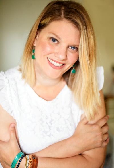 Abigail Dahlberg, Englisch, Deutsch