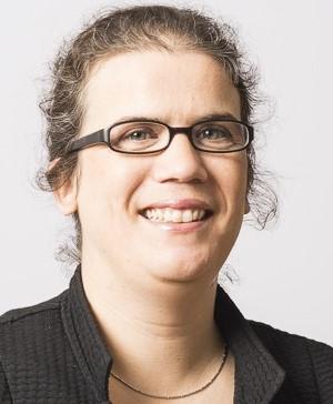 Montserrat Varela Navarro, Spanisch, Katalanisch, Deutsch, Englisch