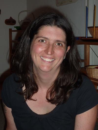 Jessica Wallace, Deutsch, Englisch