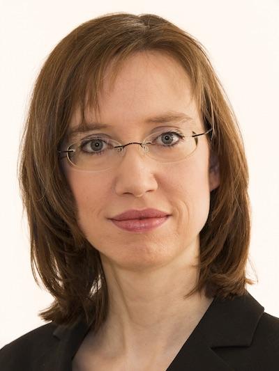 Laura Schillings, Französisch, Deutsch