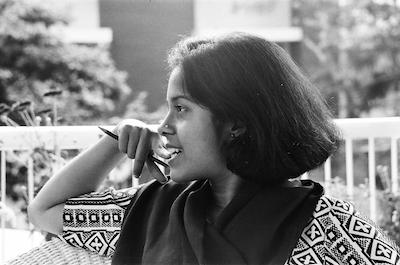 Anu Mukharji-Gorski, Englisch, Deutsch, Bengali