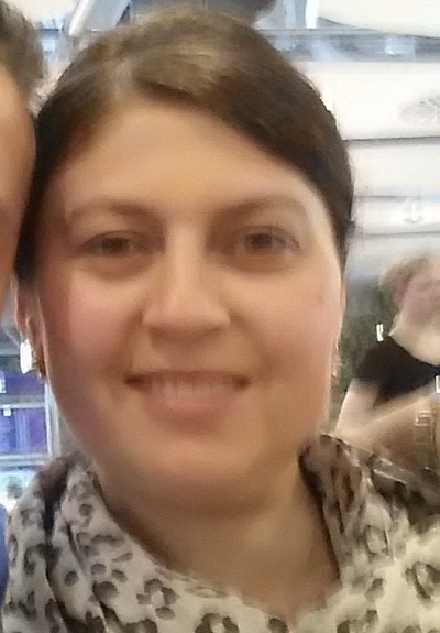Ayse Yilmaz, Türkisch, Deutsch, Englisch