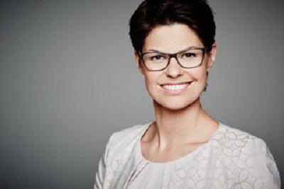 Tanya Quintieri, Deutsch, Englisch