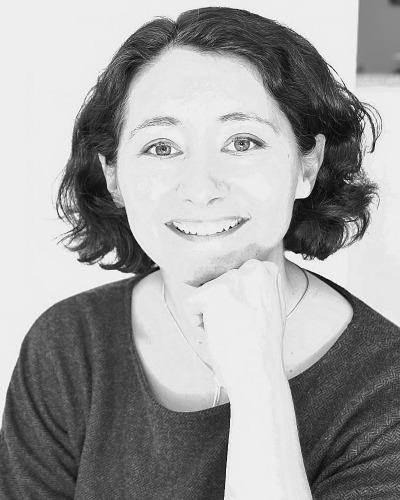 Séverine Jacquinot-Dédier, Französisch, Deutsch, Englisch